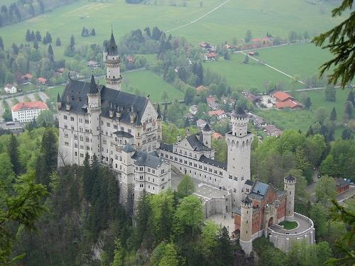 Le château de Disney le Neuschwanstein Château de Neuschwanstein