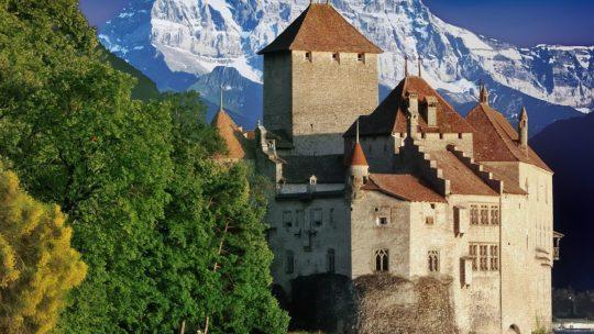 Top 10 des plus beaux châteaux de Suisse
