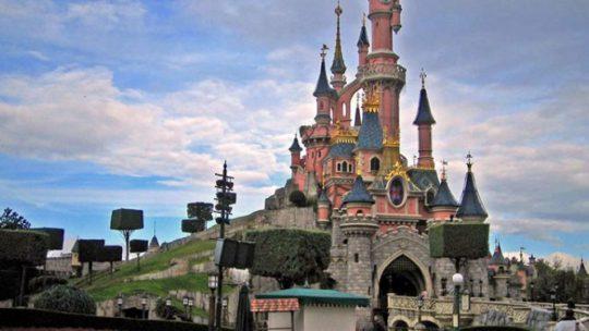 Qu'y a-t-il à l'intérieur du château de Disneyland Paris