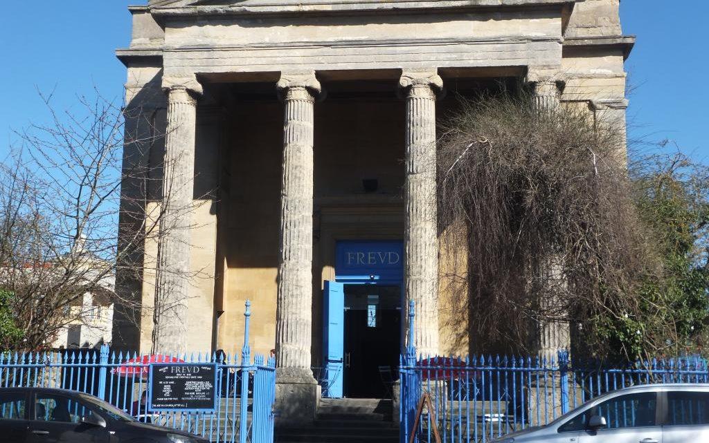 FREUD, Oxford – Cocktails dans une ancienne église du XXe siècle