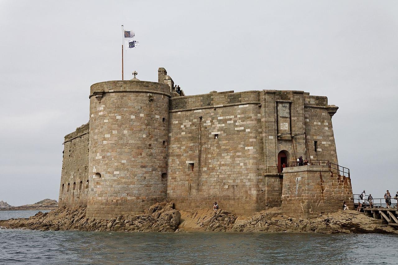 Le Château de Taureau, dans la baie de Morlaix - Châteaux forts