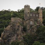 Qu'est-ce qu'un château fort au Moyen Âge ?