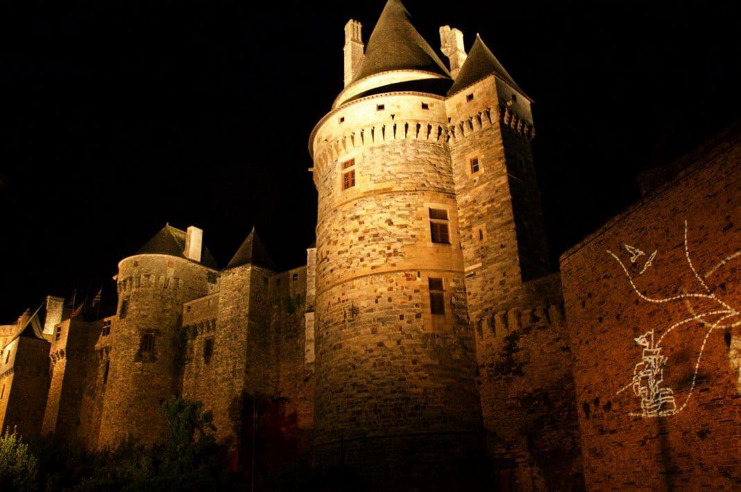 Découvrir les châteaux de nuit : une expérience unique