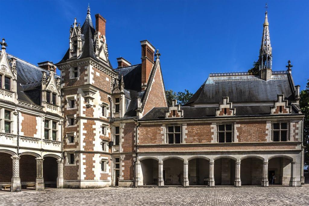 Visiter le château de Blois la nuit