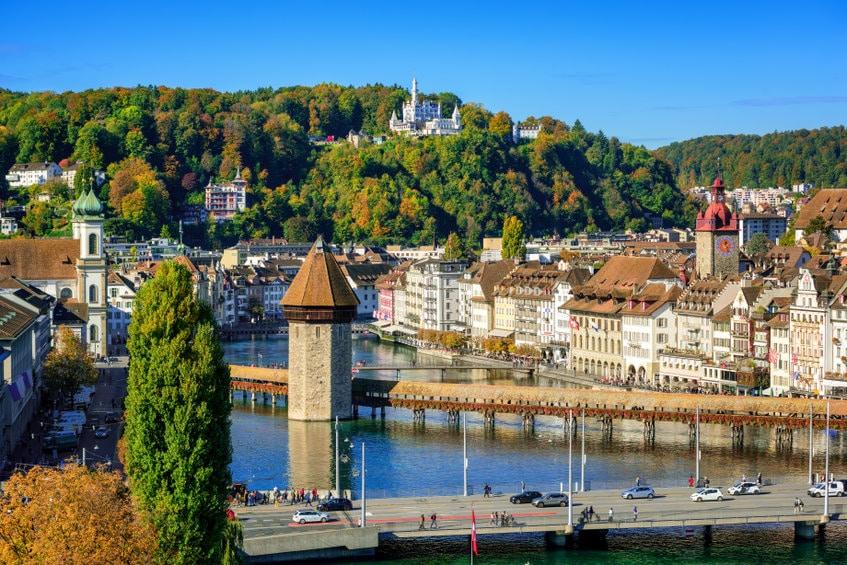 Vacances en Auvergne-Rhône-Alpes : top des 5 plus beaux Châteaux forts à découvrir absolument